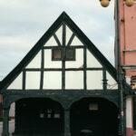 Domek z podcieniami